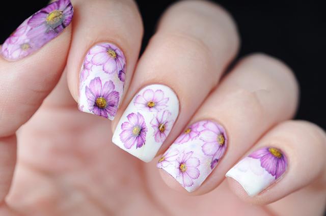 花柄ネイル